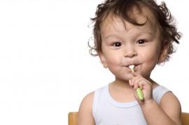 bebe-dente-escovacao